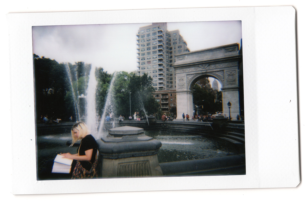 Camera Geekery: Intimate Objects – the Lomo'Instant Automat